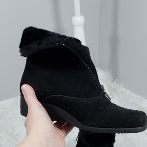 La Canadienne boots wedge suede booties size 7